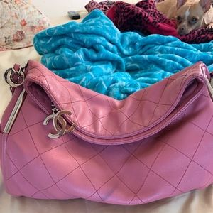 Chanel pink ultimate lambskin authentic hobo